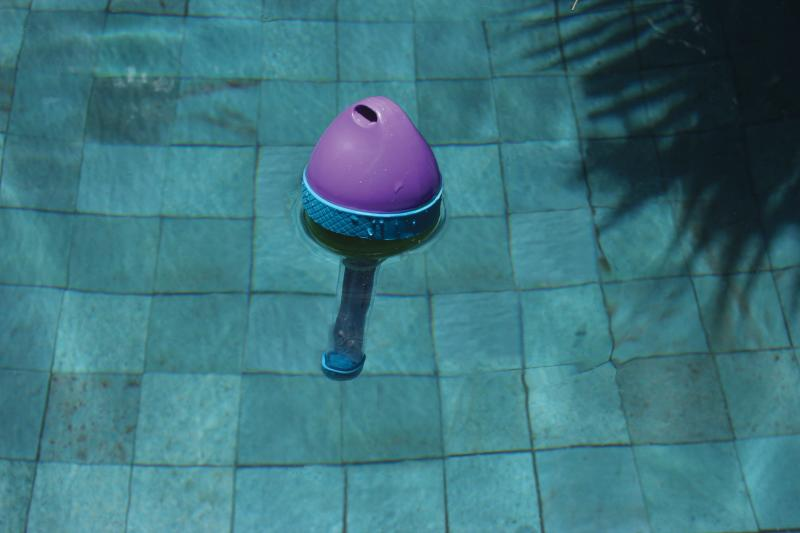 Colorful Buoy Floating Thermometer