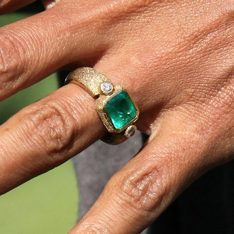 halle berry famous emerald engagement ring modern secrete fine jewelry best washington dc