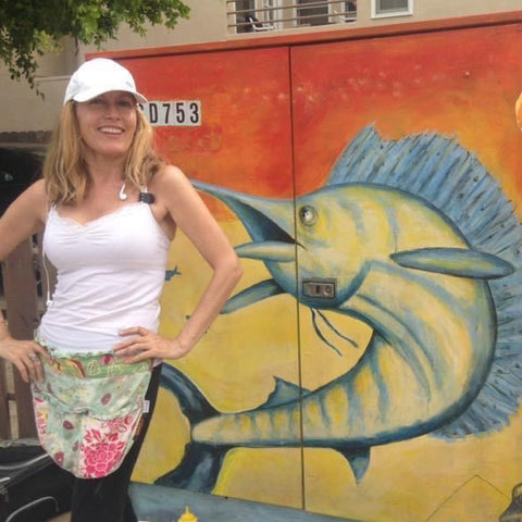 Catherine Viani utility box painting on mission beach blvd artist San Diego