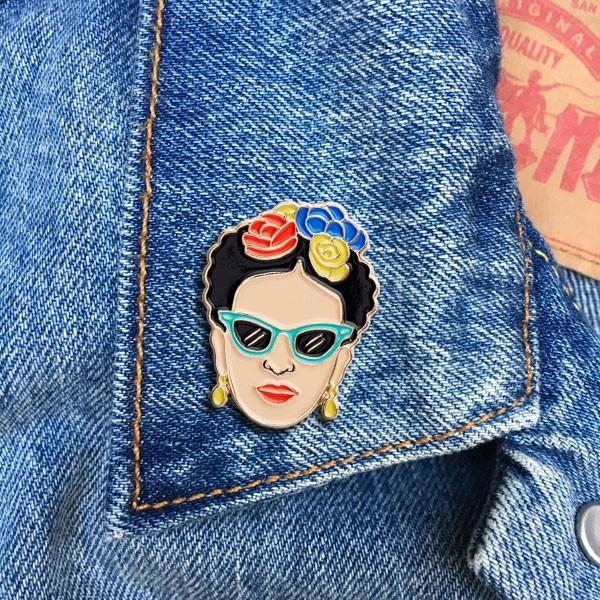 Frida with glasses pin