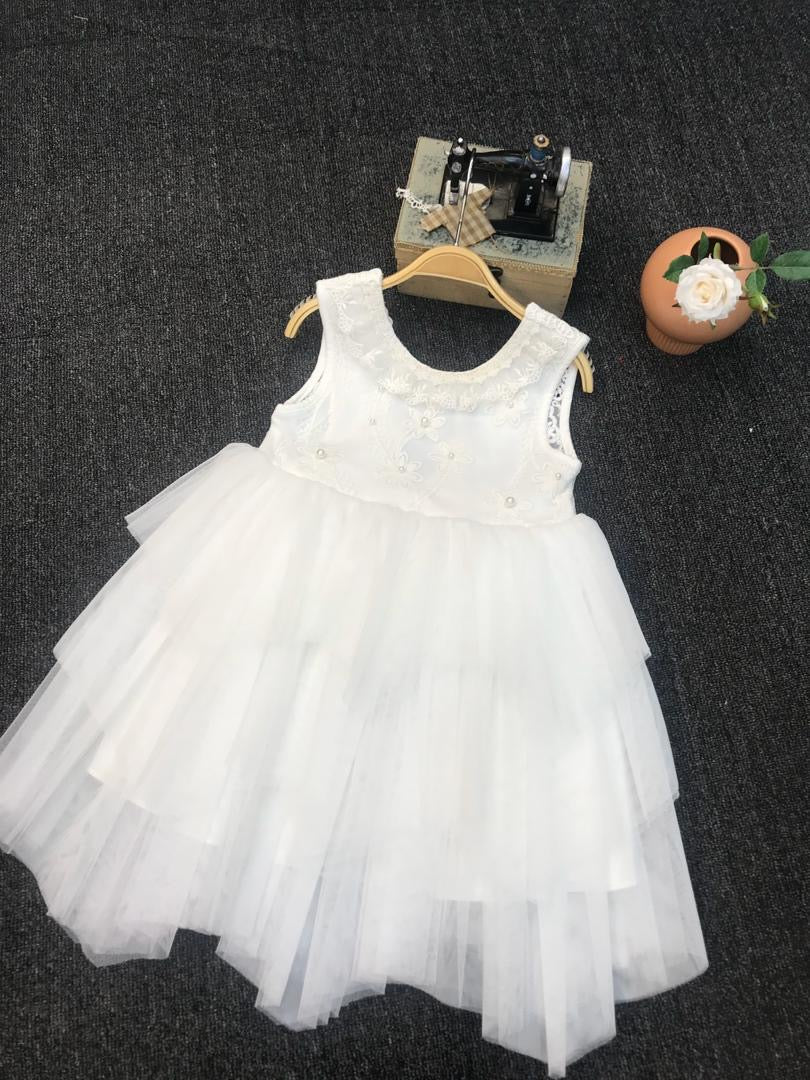 White layer tulle dress