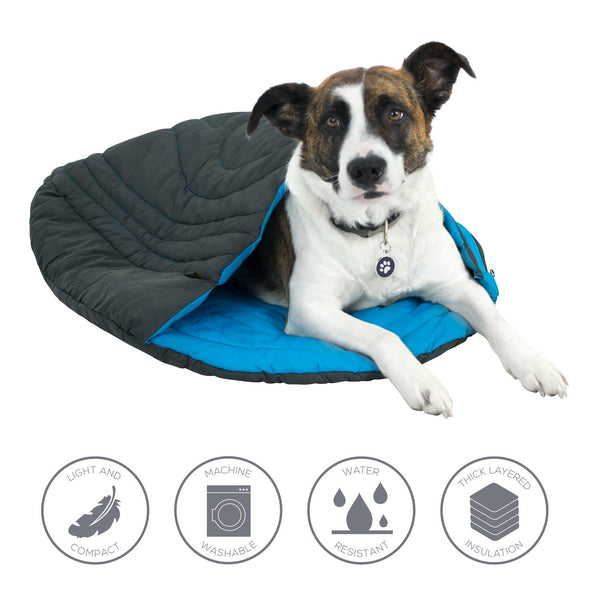 Sleeping bag with dog and feature bubbles