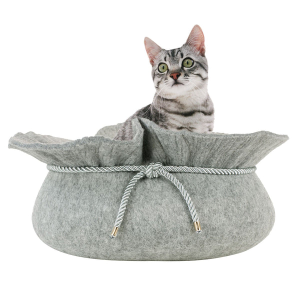 Felt cat bed with cat