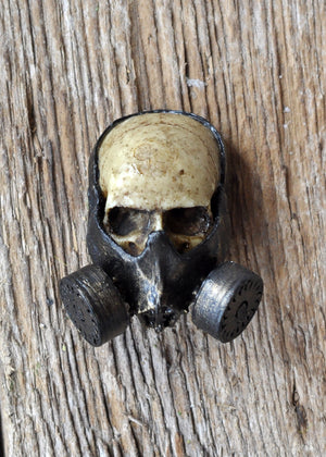 Gas Masked Human Skull Pendant, Skull Necklace, Gothic Style Jewelry, Unisex Accesories