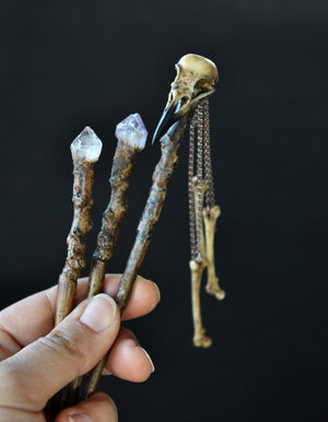 Realistic Crow Skull and Bones Hair Sticks, Realistic Tree Branch Hair Wand, Amethyst Crystals Hair Accessories, Gothic Style Wedding