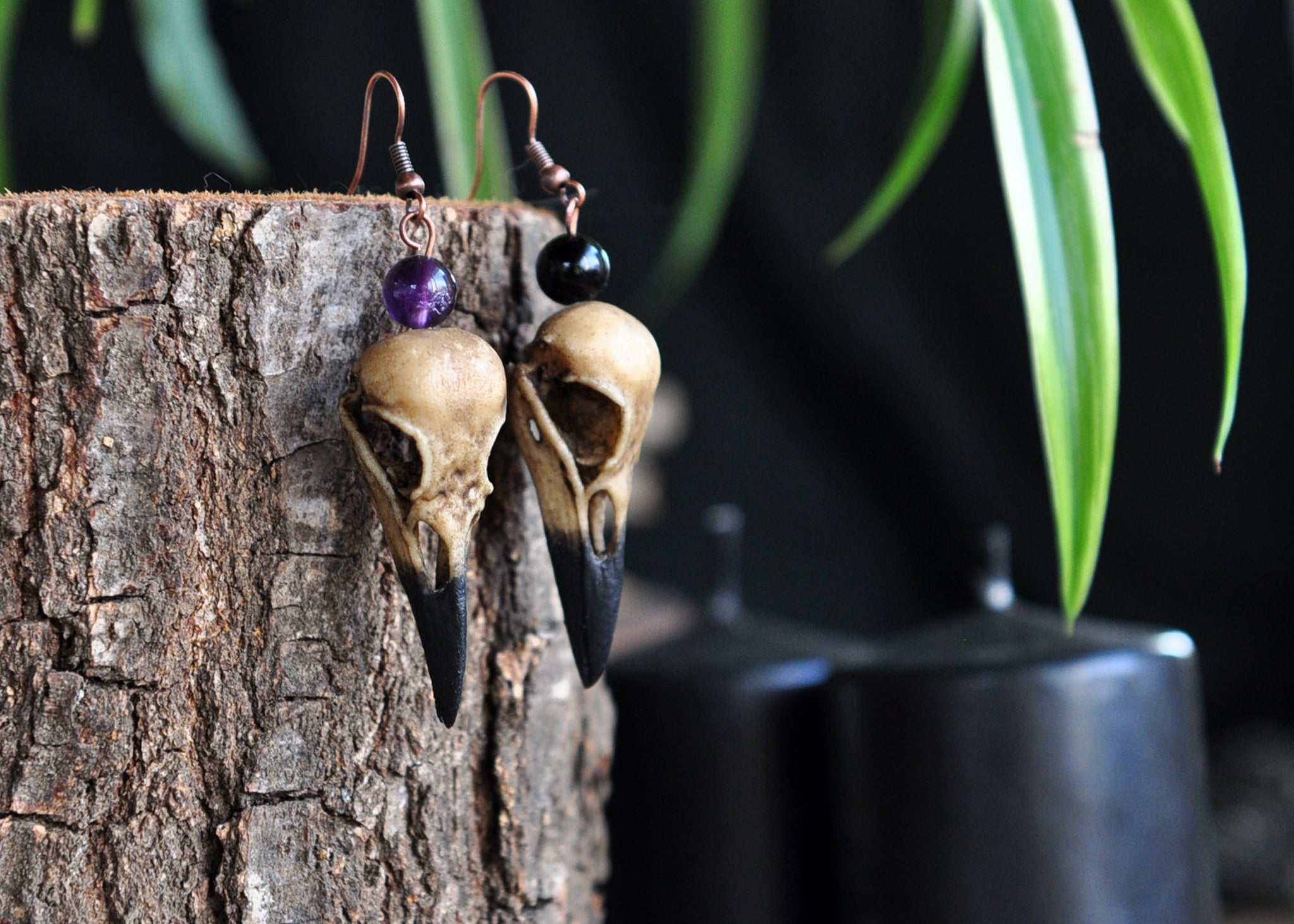 Realistic Crow Skull Earring, Single Earring, Onyx Jewelry, Amethyst Jewelry, Gothic Style Earring, Witchcraft Skull Jewelry