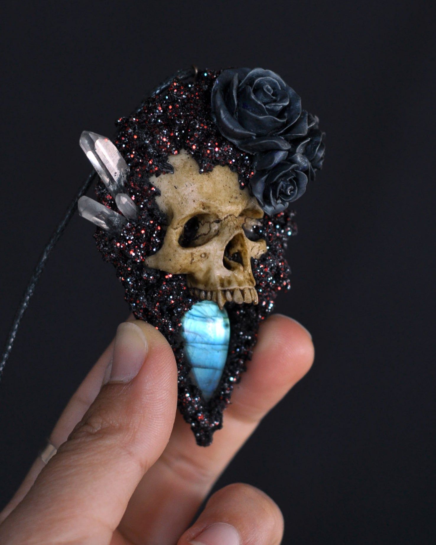 High Detailed Realistic Replica Vampire Human Skull Necklace, Blue Labradorite Gemstone Necklace, Gothic Style Jewelry, Gothic Accessories