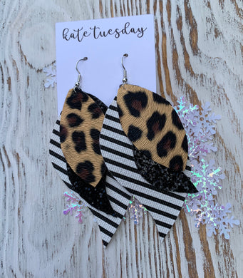 Cheetah Stripe Glitter 3 Layer Leather Hang Earrings