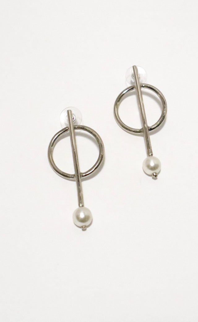 Drop Pearl Earrings Silver