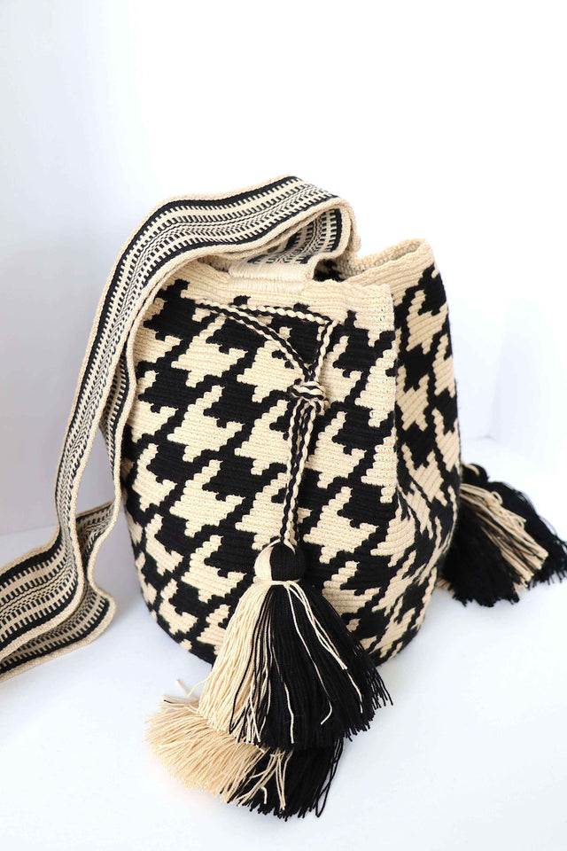 Wayuu Crossbody Houndstooth Check
