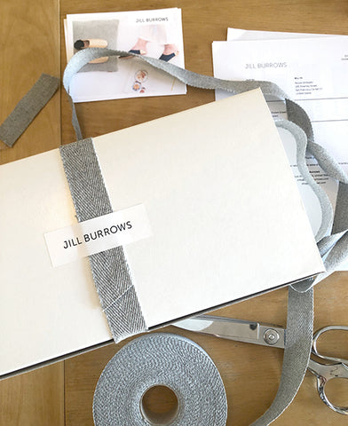 Slippers sent as gifts with heartfelt notes