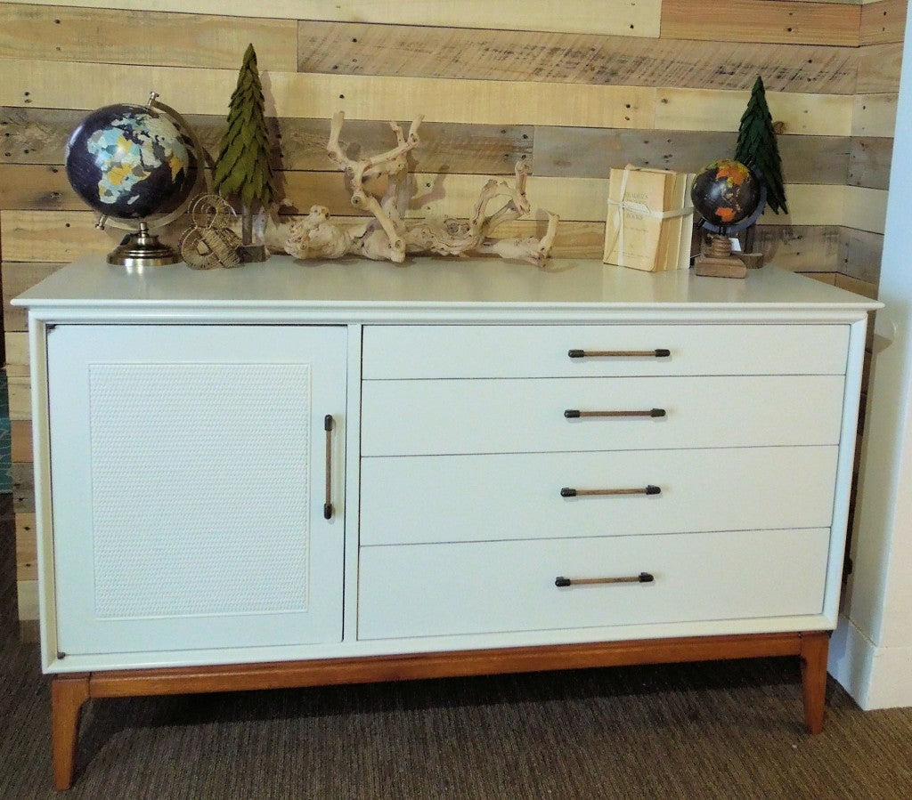 ... Mid Century Modern Vintage Dresser In Two Tone With White Frame And  Natural Wood, 12402082_804285113050322_3355122790356628615_o ...