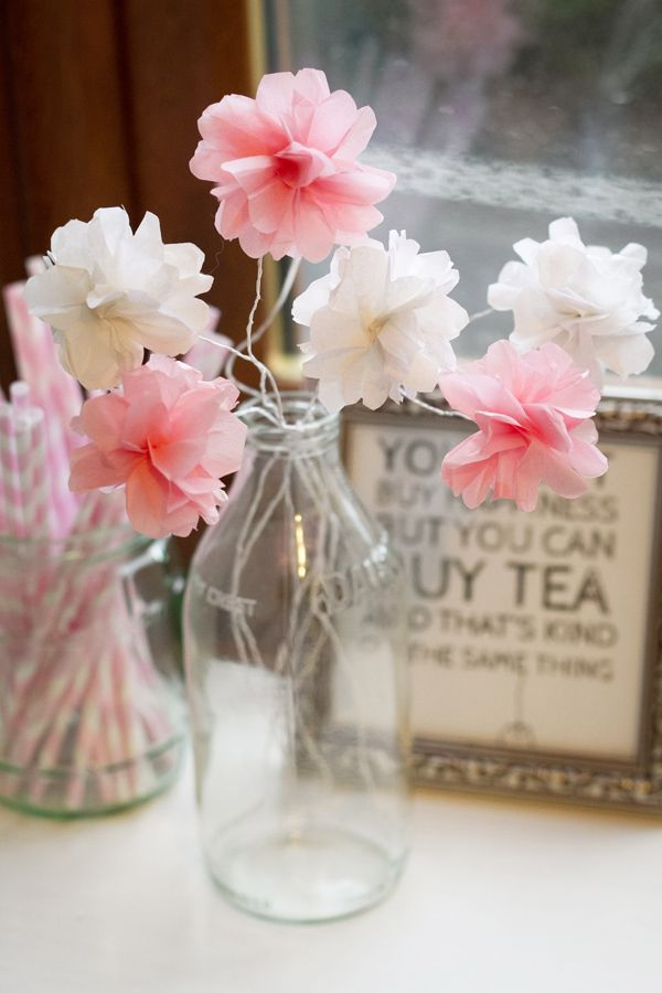 MakeMN Paper Flower Decorating Idea Flower Small Version in Vase