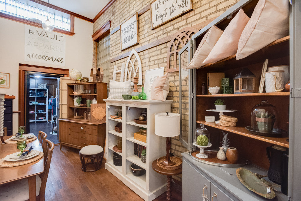 Carver Junk Company's Chaska Occasional Store | Chaska, MN | Small Town MN Shopping | Local Minnesota Makers Shopping | Vintage Furniture and Decor