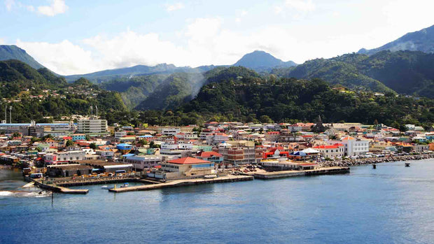 SOLIGHT DESIGN GIVE Solar Lights to Island of Dominica