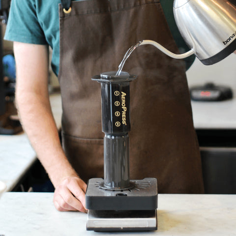 making coffee with aerobie aeropress coffee maker