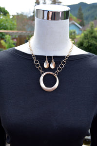 Gold Circle Necklace and Earring Set - The Chaotically Creative Mom
