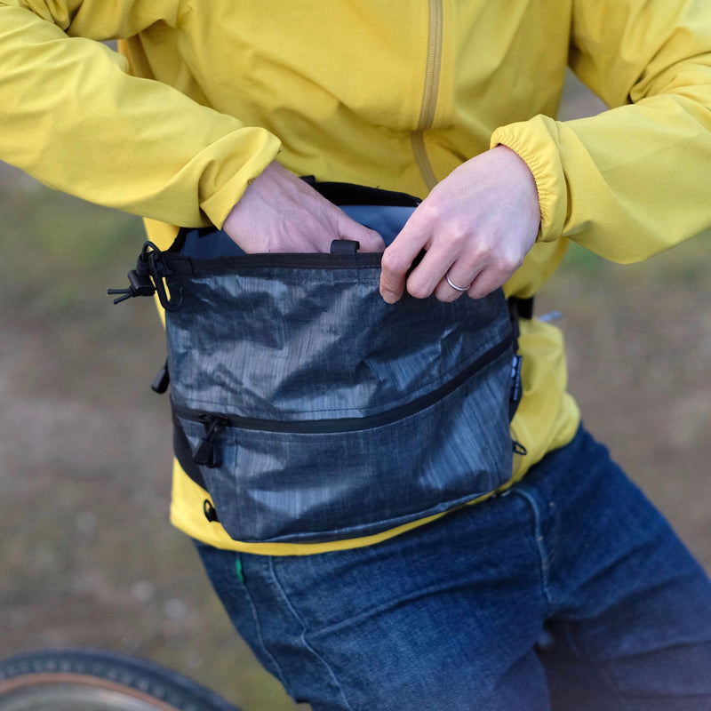 OUTER SHELL ADVENTURE Hip Slinger