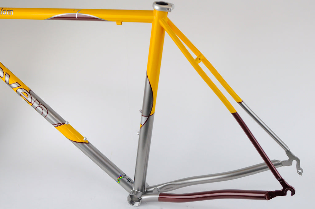 "SEVEN CYCLES  ""The Circle"" Axiom Road Racer"