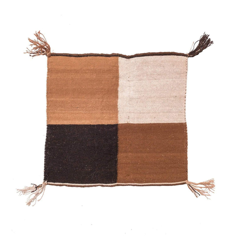 Q'ero Andean Carrying Cloth - Natural - Quarter Design