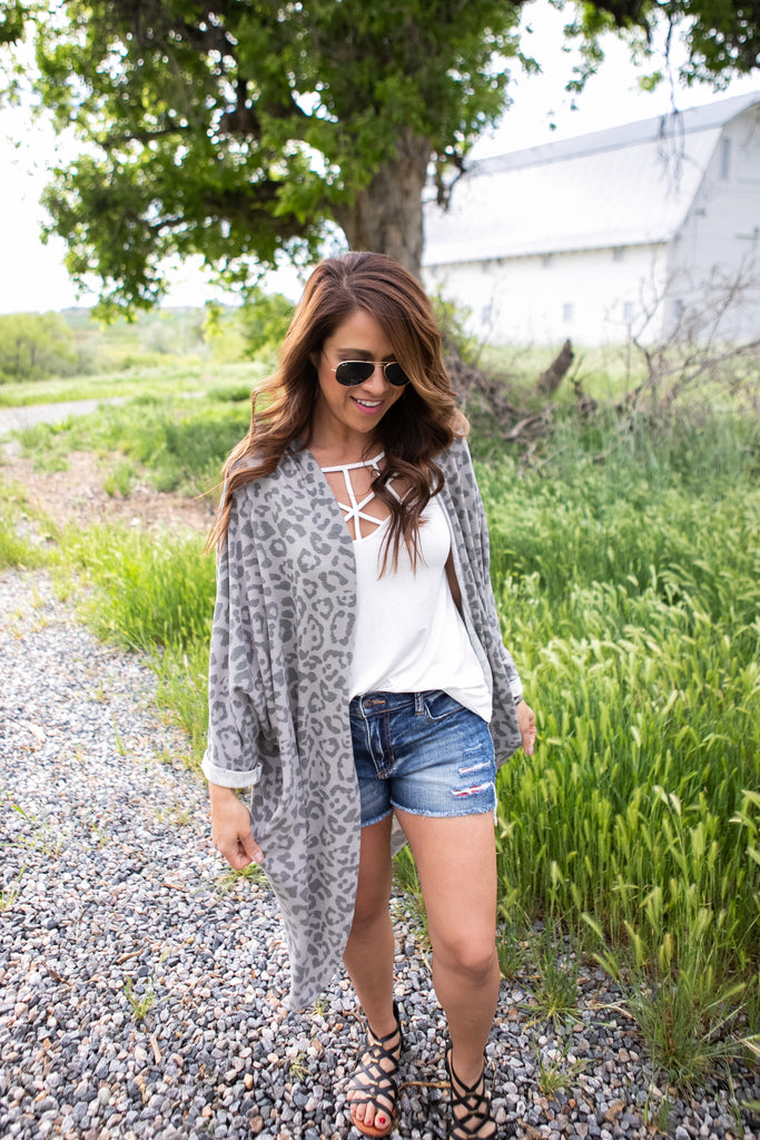 Gray Leopard Duster