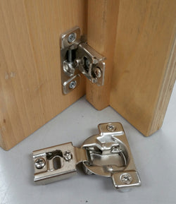 "1/2"" OL-6 Way 2 Cam Adjustable 1 pc Face-Frame Hinge w/ Dowels"