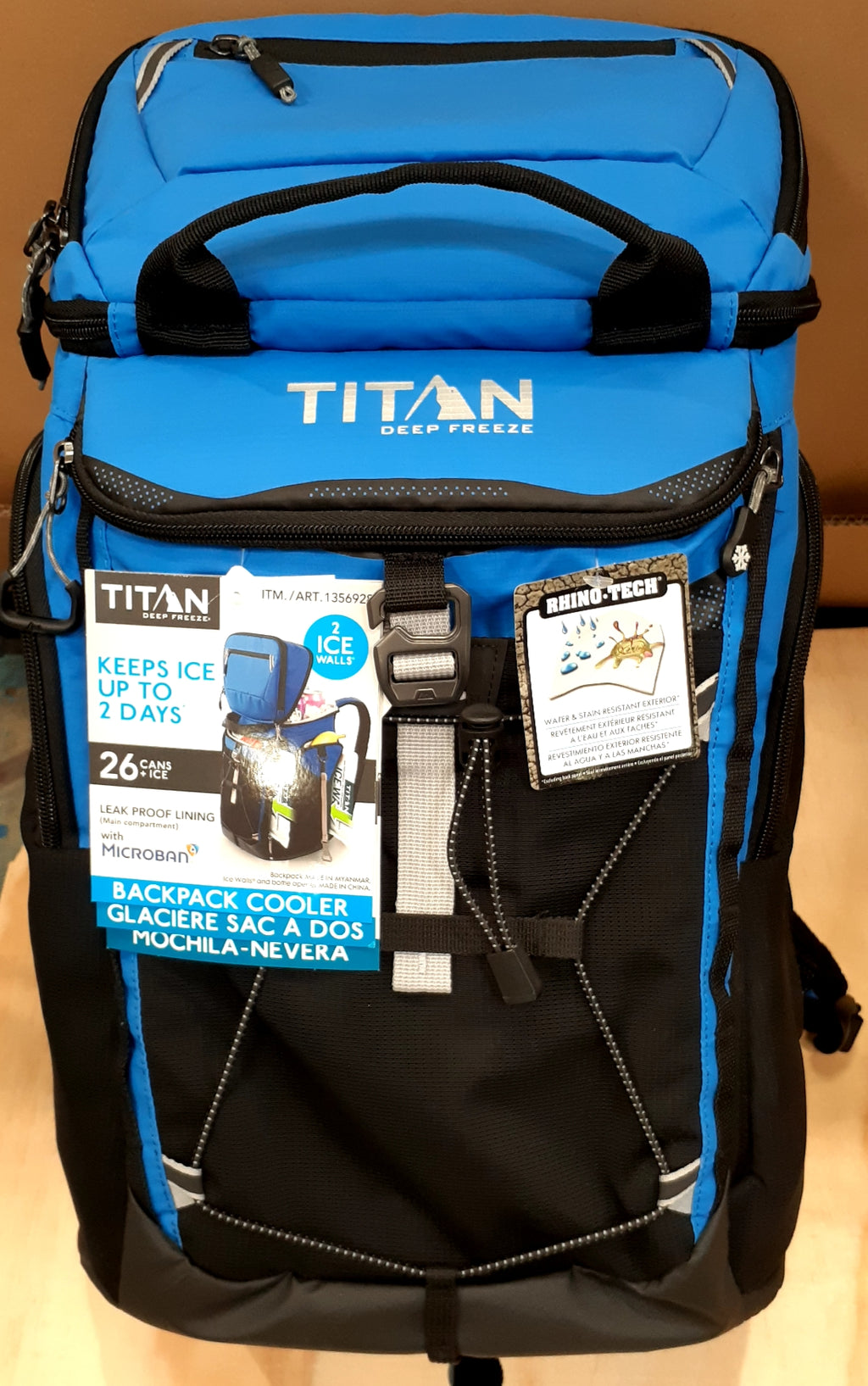 Titan cooler bag w/ ICE WALLS keeps 26 cans ice cold for 2 days FAST SHIPPING!