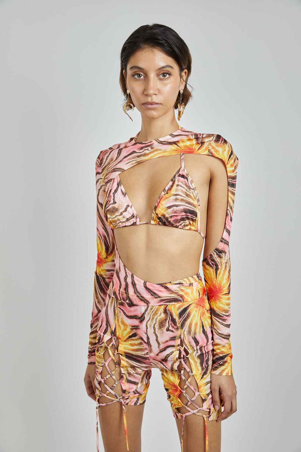 Cut out Tropic Print Top-pre order: delivery on Oct 26