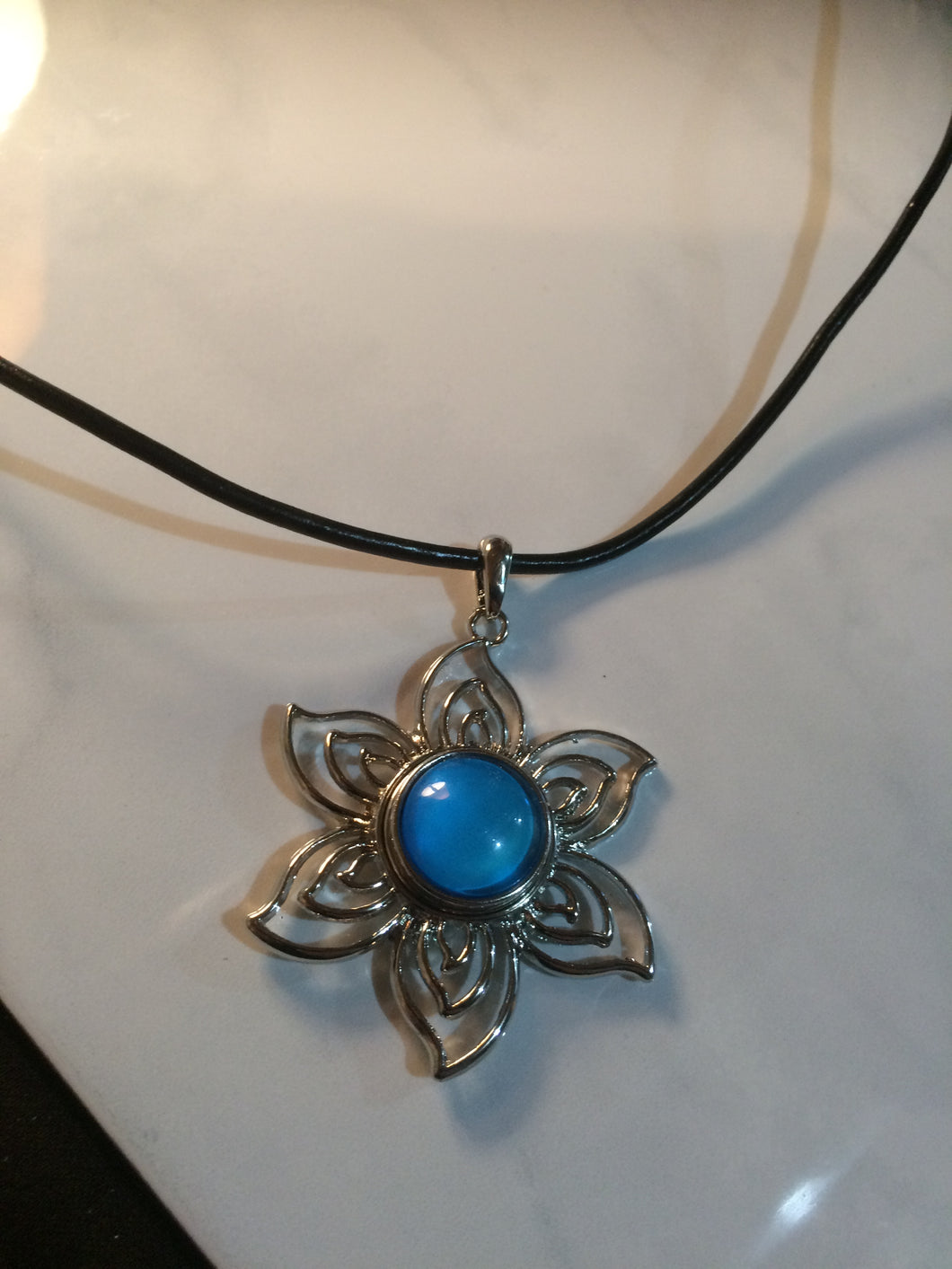 Starflower Pendant Necklace (2 Jewel Pops included!)