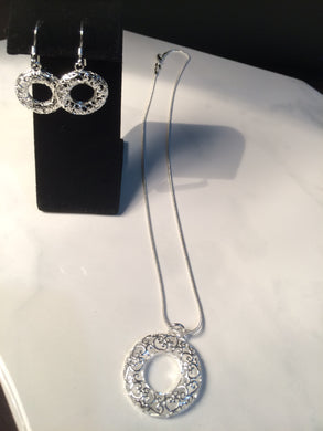 Love Wreath Necklace and Earring Set