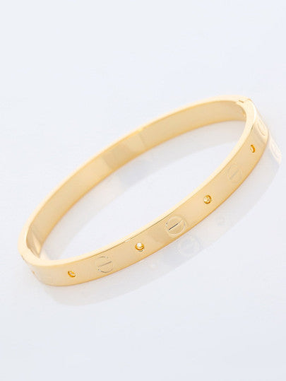 Circle Engraved Bangle
