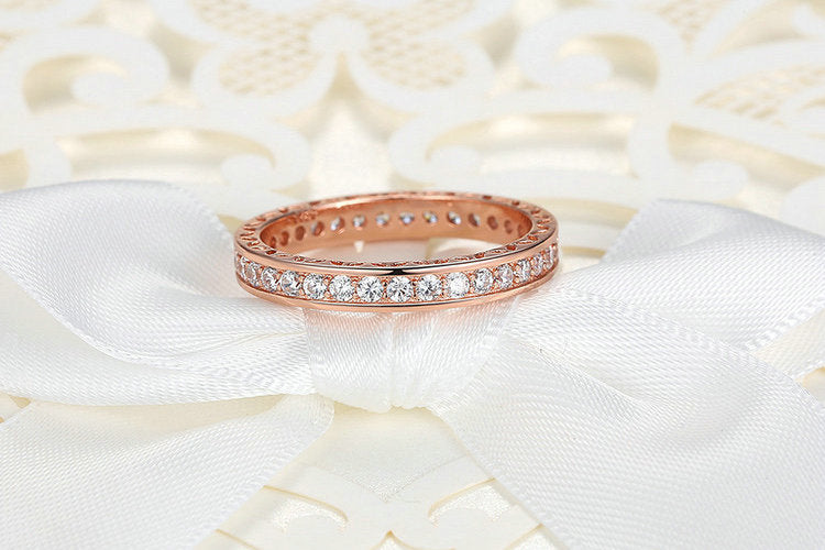 Classic Rose Gold Colored Ring with Zircon