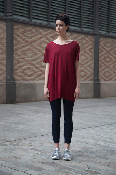 13686 Camiseta oversize / Vestido mini granate