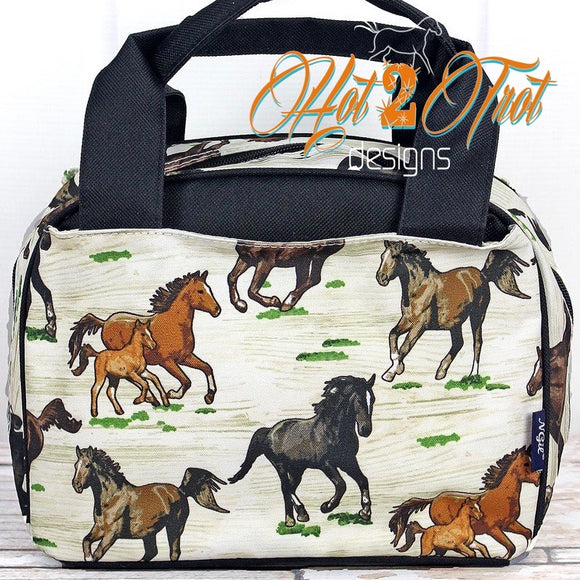 WILD HORSES INSULATED LUNCH BAG *PREORDER*