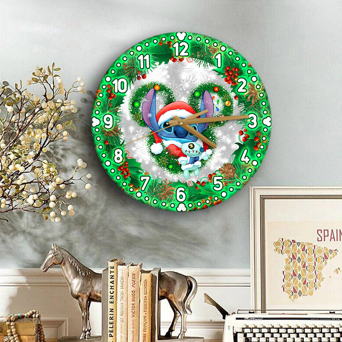 StChristmas Wooden Clock
