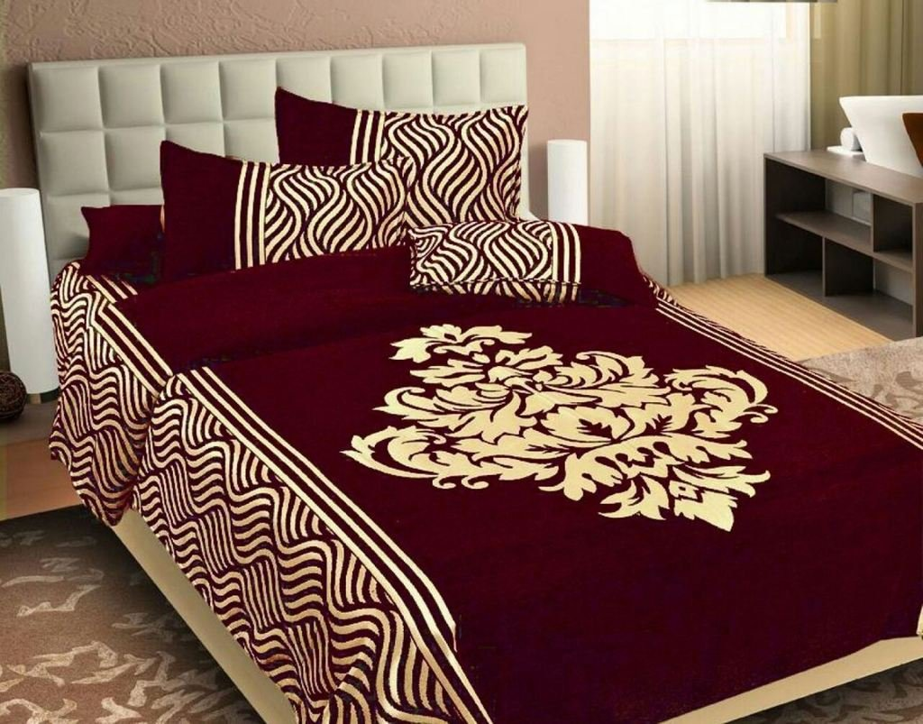 Wonder of Maze Royal Heavy Chenille Maroon Bedcovers