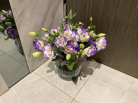 Eustoma in a vase - ZZR1422