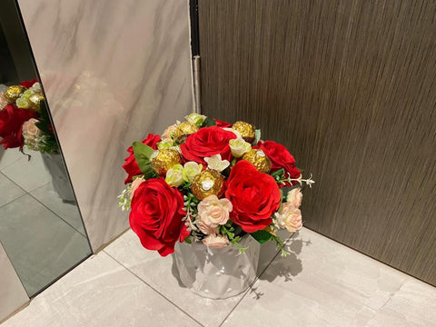 Artificial Flower with Chocolate - ZZR3572val