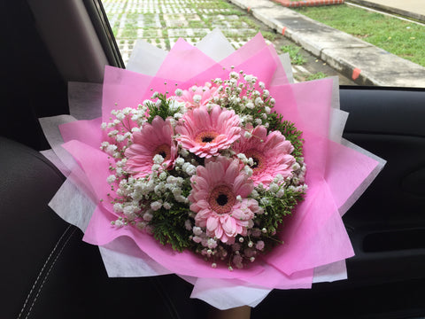 Simple Gerbera Bouquet  - ZZR1135