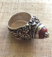 Yemini Silver Ring with Coral Glass