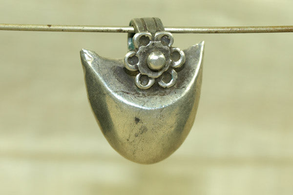 Heavy vintage Silver Pendant from India