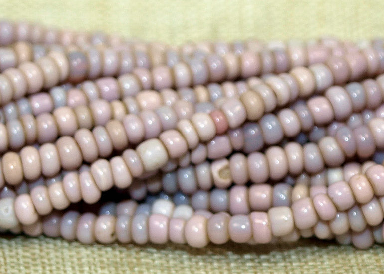 Antique Venetian Cheyanne Pink 10º Seed Beads, strand