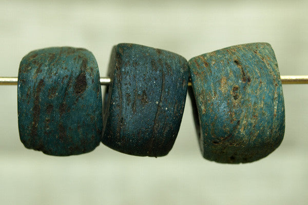 Old Blue Hebron Bead, small