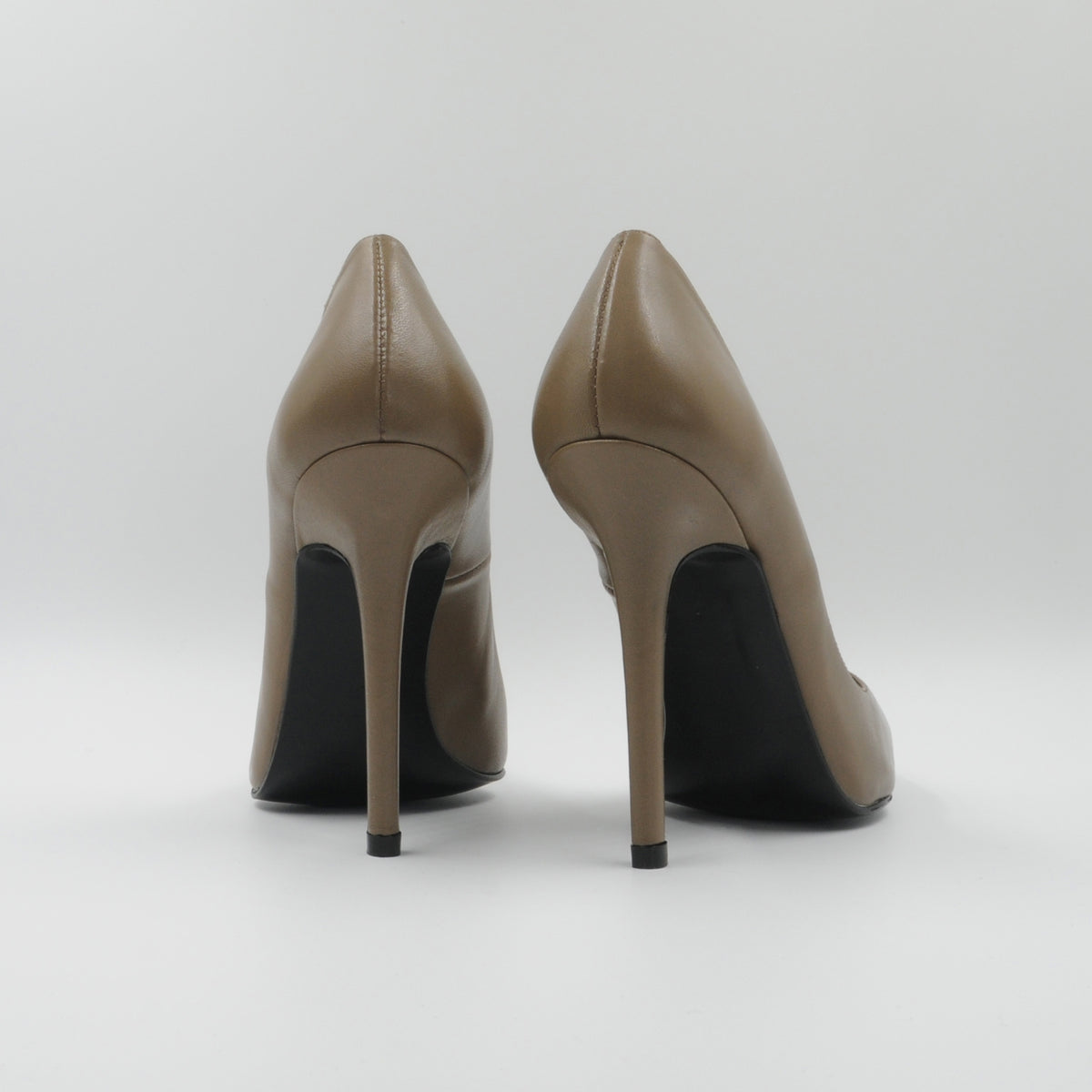 Lola Domecq Martina In Beige Handmade leather high heels
