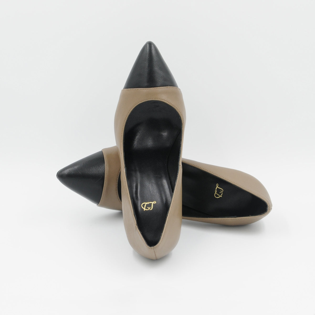 Lola Domecq Martina In Beige Handcrafted leather pumps