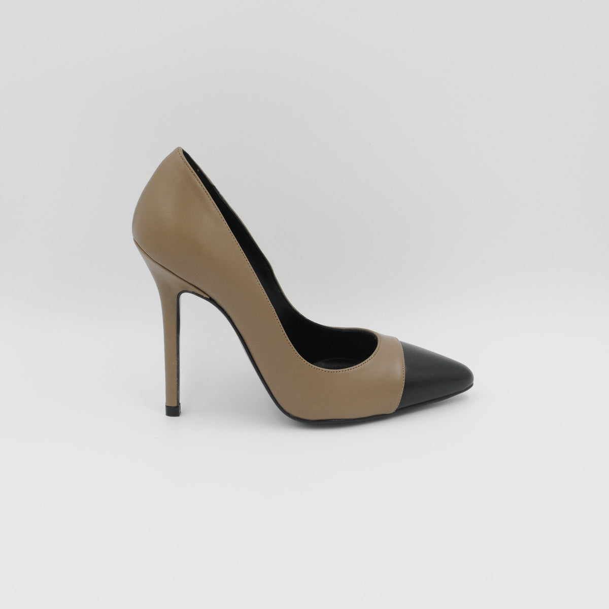Lola Domecq Martina In Beige Hand made leather heel