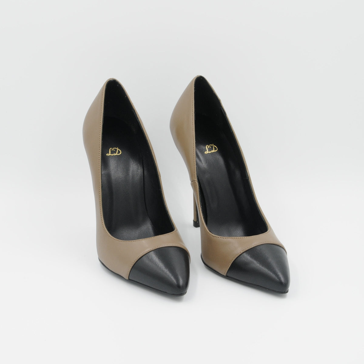 Lola Domecq Martina In Beige Hand made pointy leather heels