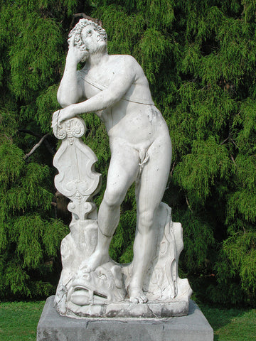 Sculpture in park of Bellaggio, Villa Melzi, Italy, Download file 1536 x 2048 Pixel for your design project