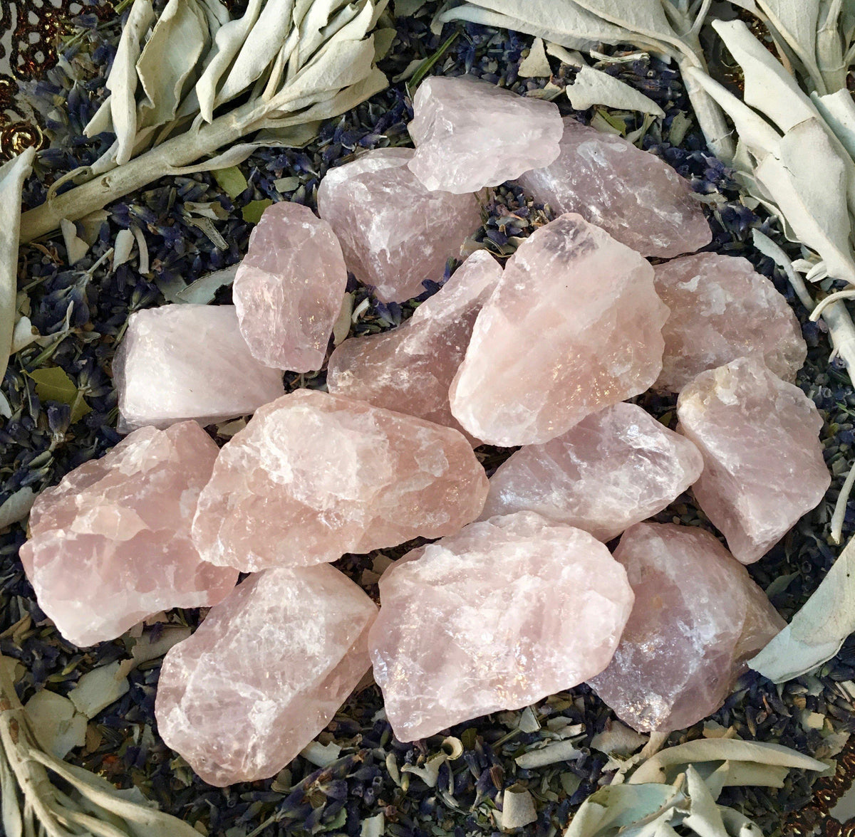 Rose Quartz - The Heart Gemstone, gemstones - SugarMuses