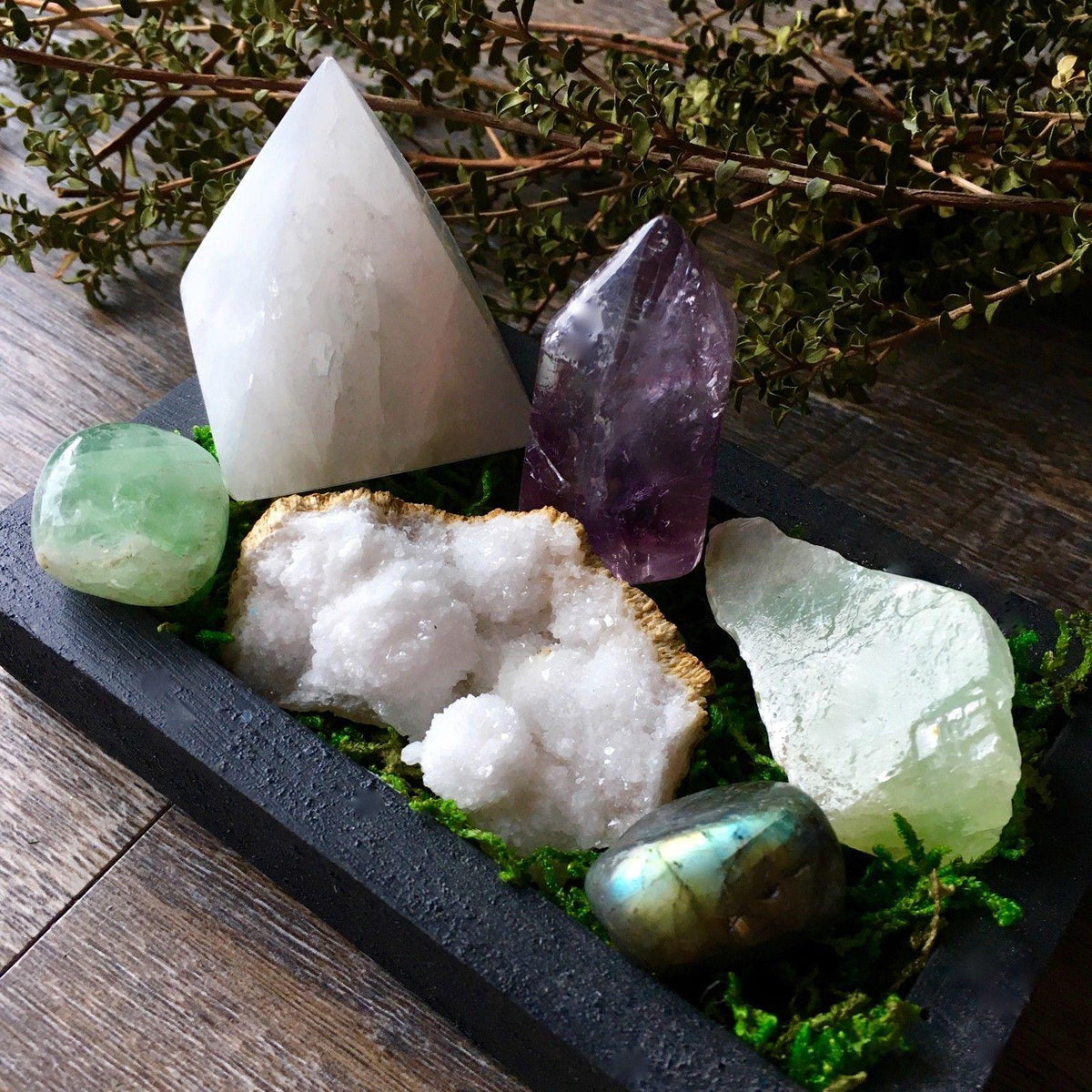 Witches Gemstone Collection Set with Display Tray, crystal collection - SugarMuses